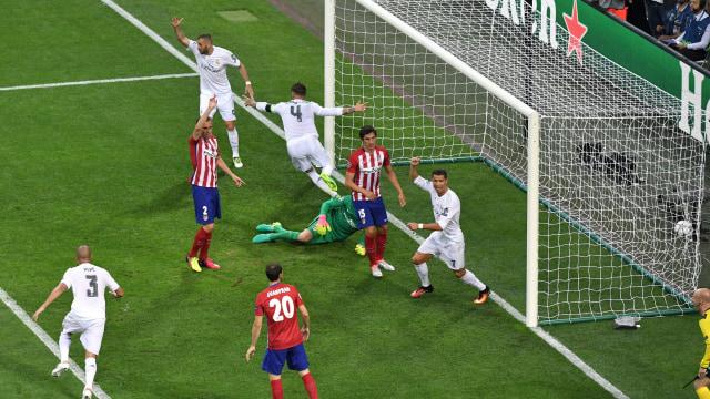 Clattenburg Akui Salah saat Sahkan Gol Sergio Ramos di Final Liga Champions 2016 (349200)