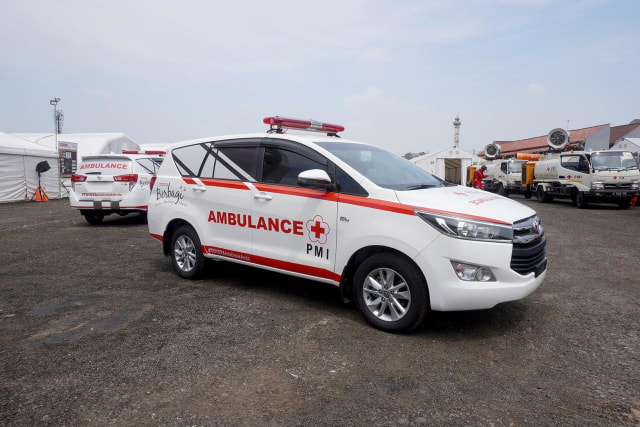 4 Unit Toyota Kijang Innova Ambulans buat Pemprov DKI Jakarta Lawan COVID-19 (267198)