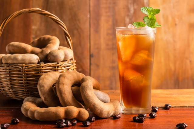 8 Minuman Segar nan Sehat Buat Bantu Bakar Lemak Usai Banyak Makan Daging (623310)