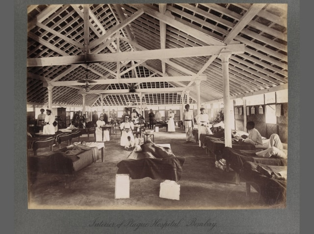 Interior_of_a_temporary_hospital_for_plague_victims,_Bombay_Wellcome_L0034493.jpg