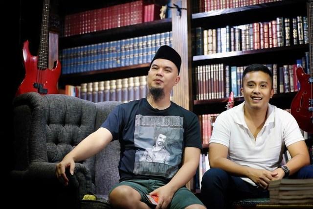 Ahmad Dhani Akan Panjangkan Rambut Kalau Jerinx Buktikan Agama Itu Konspirasi (209282)