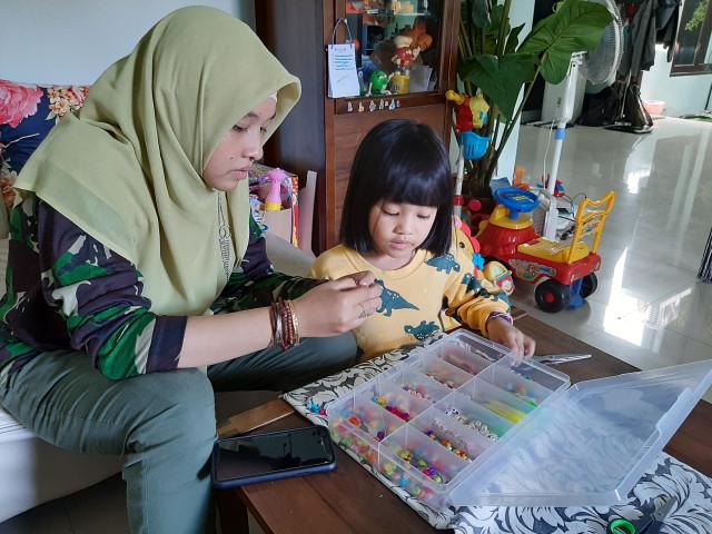 Tips Atasi Kebosanan Anak Saat Belajar di Rumah (687958)
