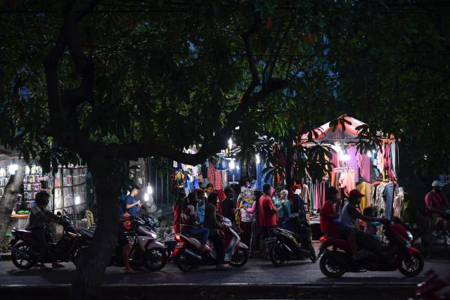 Pasar Ramai saat PSBB