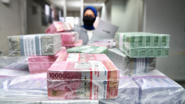 Ancaman Pembekuan Agar Ratusan Triliun Duit Pemda Tak Menumpuk di Bank (392087)