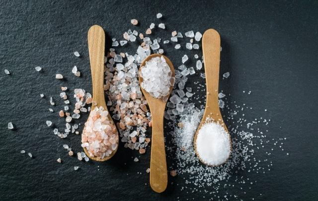 Benarkah Mengganti Garam Dapat Kurangi Risiko Darah Tinggi? Begini Kata Ahli (1238454)