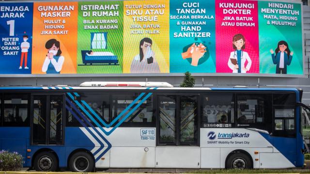 Warga Dki Bisa Cek Kedatangan Hingga Rute Bus Transjakarta Dalam Satu Aplikasi Kumparan Com