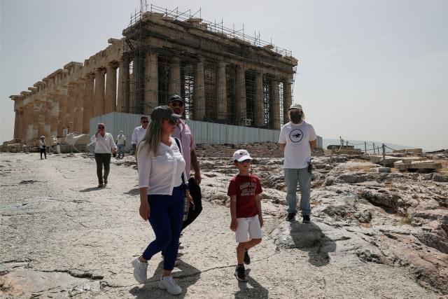Kabar Baik! Kota Kuno Acropolis Semakin Ramah Bagi Penyandang Disabilitas (53025)
