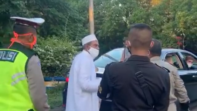 Polda Jatim Mediasi Habib Umar Assegaf dan Petugas PSBB, Minta Saling Memaafkan (93142)