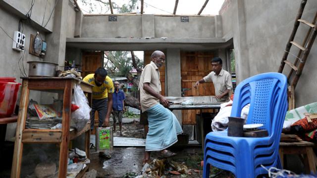 82 Orang di India dan Bangladesh Tewas saat Topan Amphan Menerjang  (774293)