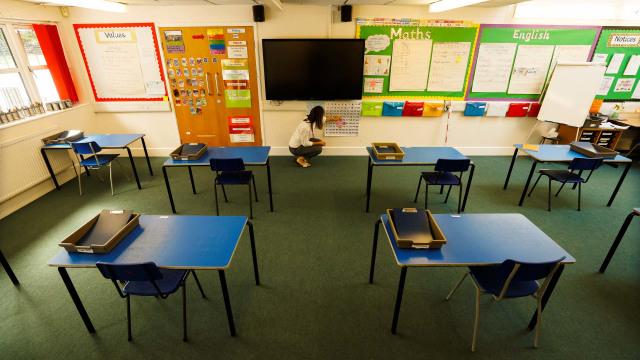 Foto: Persiapan Sekolah di Inggris Sebelum Dibuka Kembali (84976)