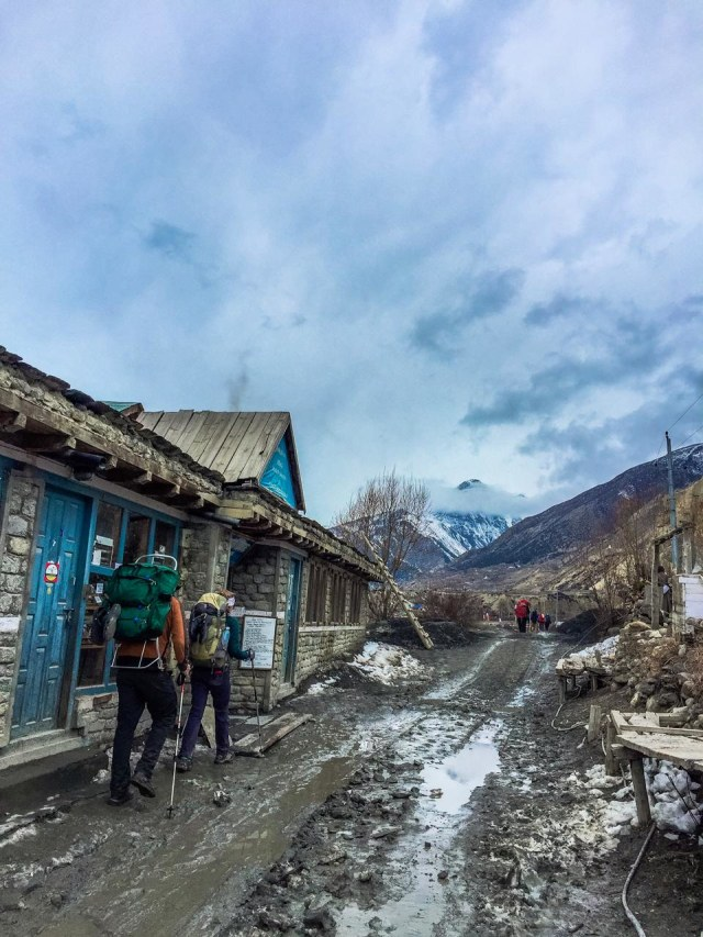 Terjebak Lockdown di Atap Dunia: Kisah Para WNI di Nepal (15618)