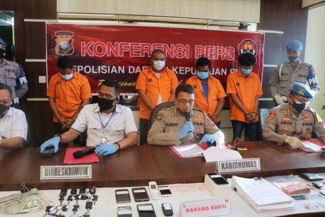 Penggelapan Mobil oleh Polisi di Bintan: 34 Mobil dan 3 Pelaku Lain Diamankan (1240167)