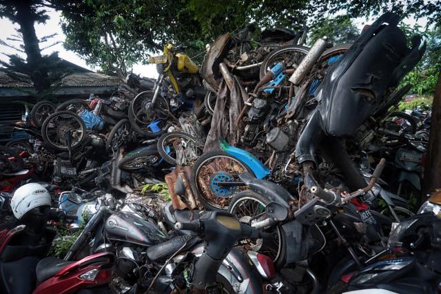 Kisah Mistis Kuburan Motor di Bekasi  (116579)