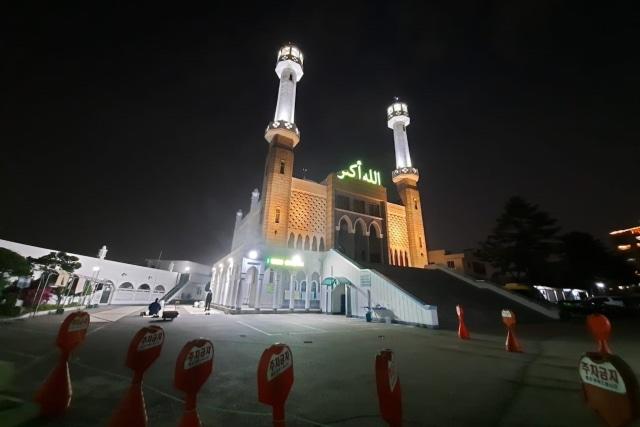Kisah Ramadhan di Korea: Masjid Itaewon yang Sepi Karena Corona (2) (373869)