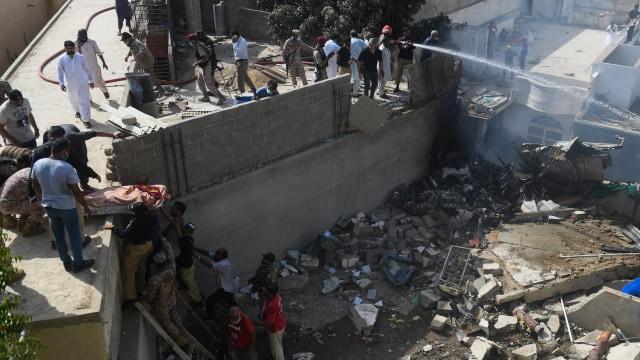 Fakta-fakta Jatuhnya Pesawat di Karachi, Pakistan (251264)