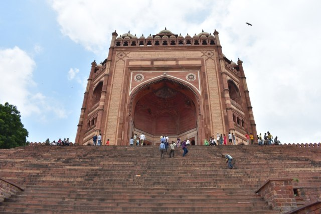 Tuah Ulama dan Pesona Gerbang Kemenangan di Masjid Fatehpur Sikri, India (5066)