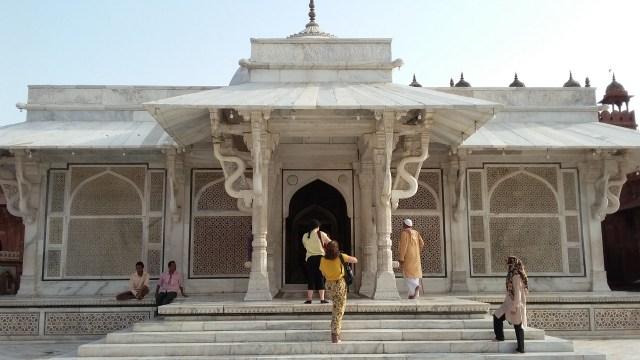 Tuah Ulama dan Pesona Gerbang Kemenangan di Masjid Fatehpur Sikri, India (5069)