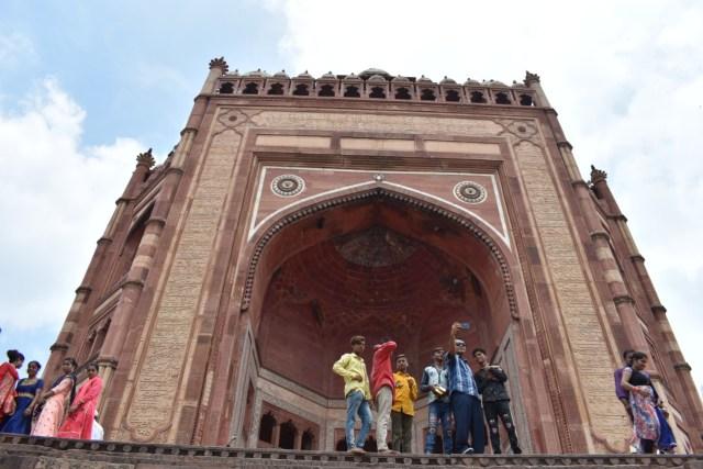 Tuah Ulama dan Pesona Gerbang Kemenangan di Masjid Fatehpur Sikri, India (5068)