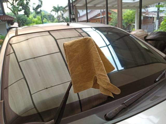 Cara mengganti wiper mobil