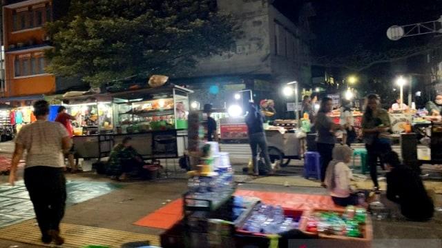 Perda Corona Jakarta: PKL yang Tak Terapkan Protokol Kesehatan Bisa Dibubarkan (324092)