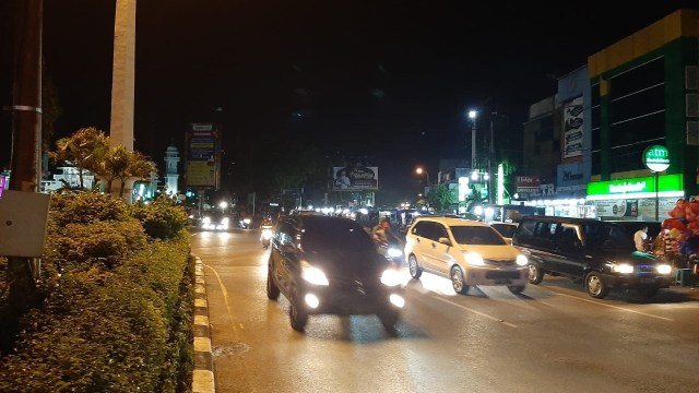 Jalanan di Banda Aceh Padat saat Malam Idul Fitri  (244246)