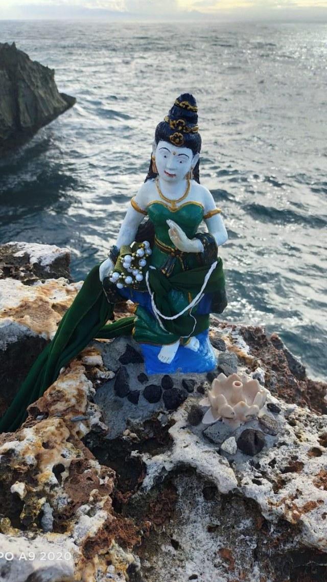 Cerita Rakyat yang Melegenda: Kisah Nyi Roro Kidul, Ratu Penguasa Laut Selatan (107312)