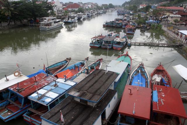 51 TKI Ilegal Nekat Pulang dengan Kapal Kayu, 1 Orang Meninggal di Perjalanan (363230)