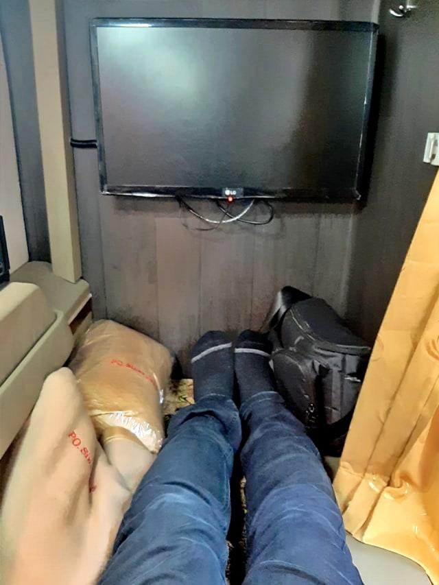Viral! Bus Mewah dengan Desain Physical Distancing dan Punya Fasilitas bak Hotel (111458)