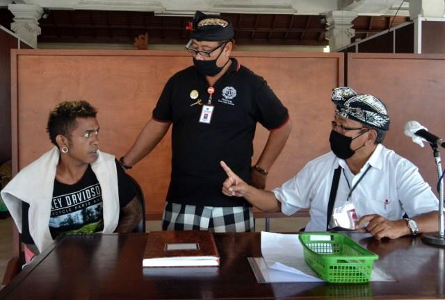 Cara Pemprov Bali Rawat OTG Corona: Konsumsi Madu Lokal hingga Terapi Video Call (712003)