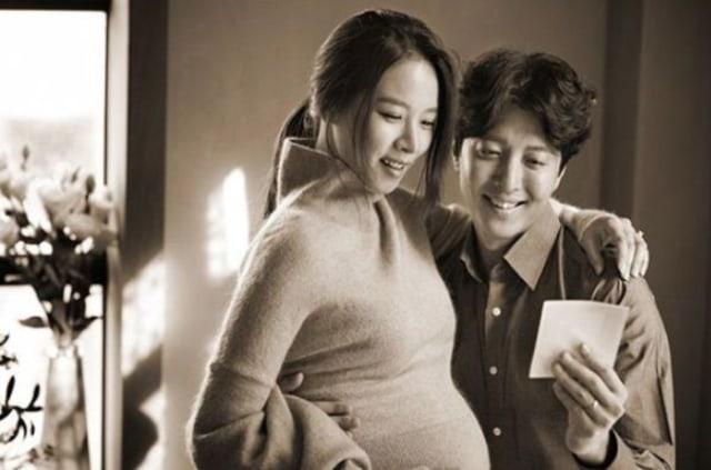 Deretan Momen Manis Lee Dong Gun dan Jo Yoon Hee Sebelum Bercerai  (702148)