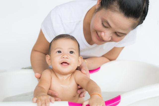 5 Tips Merawat Kulit Bayi agar Tetap Sehat (210435)