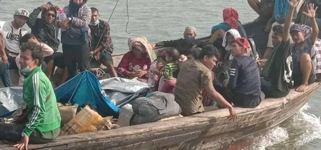 51 TKI Ilegal Nekat Pulang dengan Kapal Kayu, 1 Orang Meninggal di Perjalanan (363229)