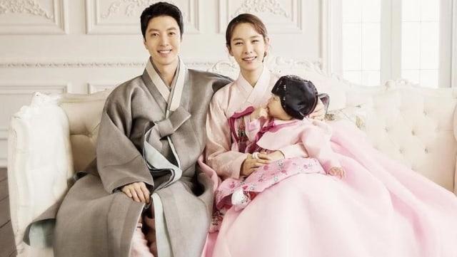 Lee Dong Gun dan Jo Yoon Hee Cerai Usai 3 Tahun Nikah, Netizen: Karma is Real (237592)