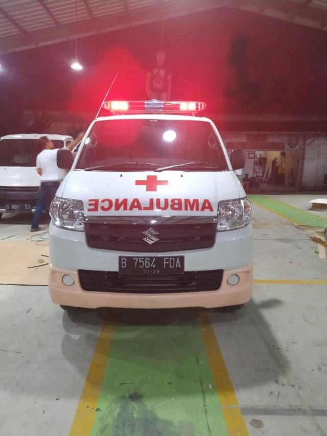 Viral Mobil Innova Halang-halangi Jalur Ambulans, Pahami Etika Lalu Lintas (5202)