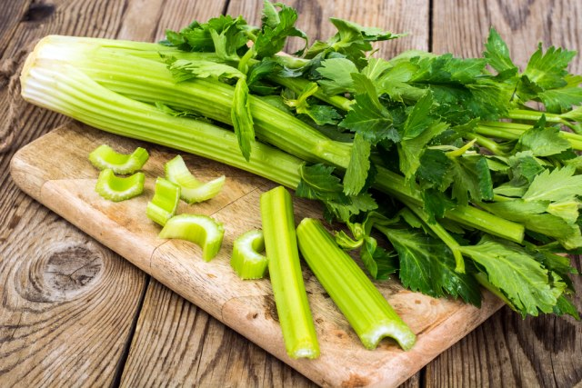 Bisa Jadi Hobi Baru, 7 Sayuran dan Rempah yang Dapat Ditanam Ulang di Rumah (311394)