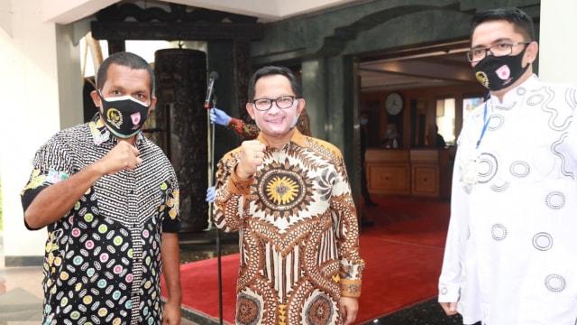 Ramai Masker Wajah yang Dipakai Tito Karnavian, Begini Komentar Pembuatnya (36124)