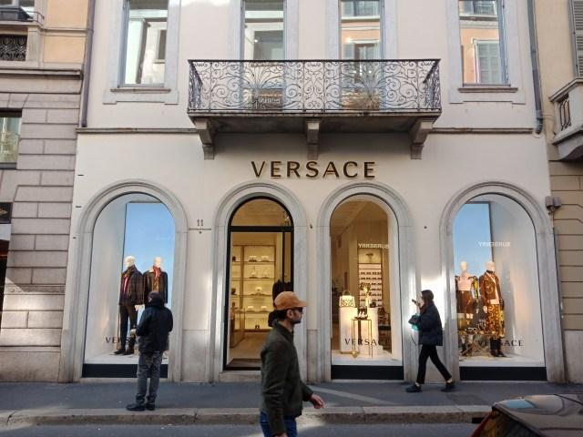 Merk Fashion Terkenal dari Milan (75276)