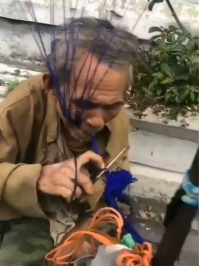 Kisah Perjuangan Kakek di Yogyakarta Tempuh Jarak 33 Km Jualan Balon (20395)