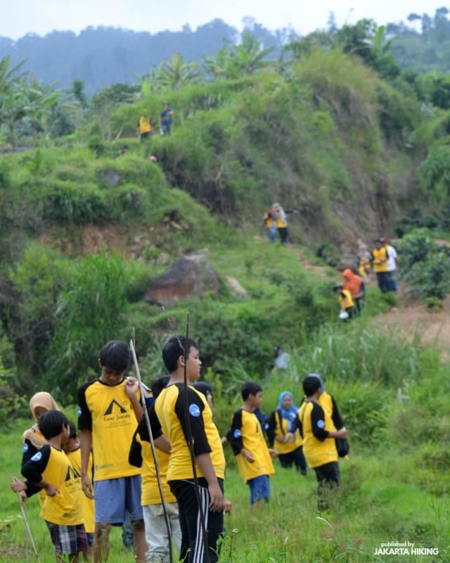 Trekking Perbukitan Dusun Kopi di Garut, Jawa Barat (38634)