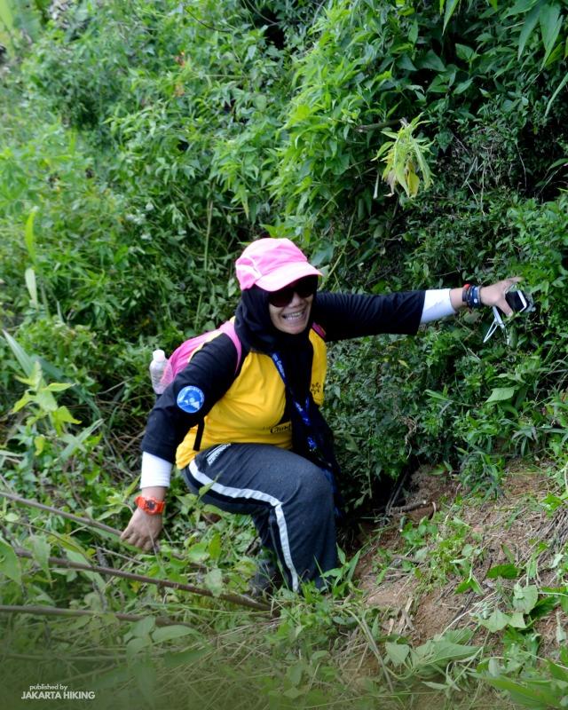 Trekking Perbukitan Dusun Kopi di Garut, Jawa Barat (38635)