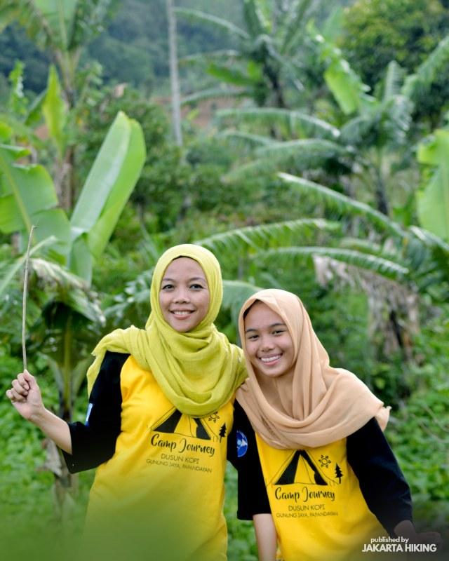 Trekking Perbukitan Dusun Kopi di Garut, Jawa Barat (38642)