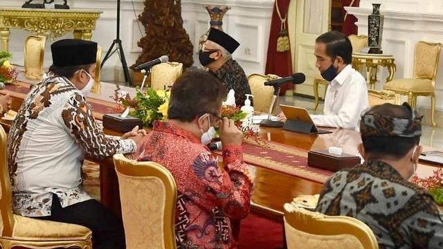 5 Berita Populer: Garuda Indonesia Kalah Arbitrase London; Rocky Gerung Disomasi (13092)