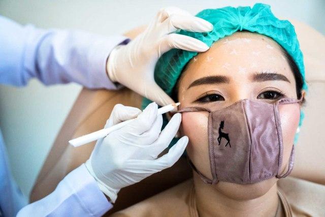 Cara Unik Klinik Kecantikan Thailand Buka Praktik di Tengah Pandemi Corona (123392)