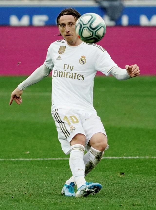 Luka Modric Ternyata Pernah Sepakat Gabung AC Milan (656870)