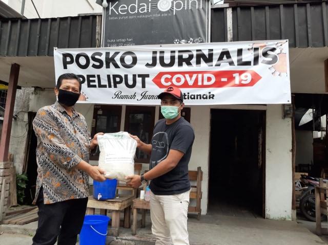 Melihat Gerakan Sosial Jurnalis di Kalbar Bantu Warga yang Terdampak COVID-19 (237273)