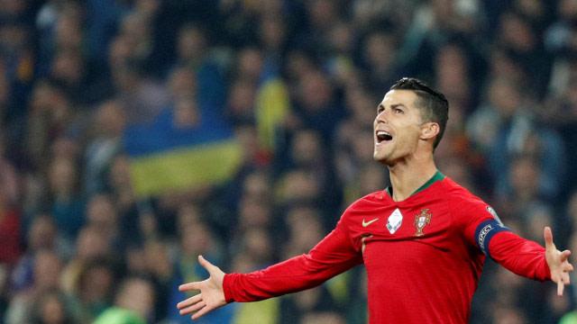 Ronaldo Jadi Pemain Pertama dengan Total Pendapatan 1 Miliar Dolar (13153)