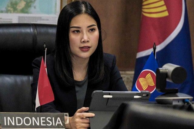 Rapat Perdana di DPR, Sandiaga Doakan Keluarga Penumpang Sriwijaya Air SJ 182 (20794)