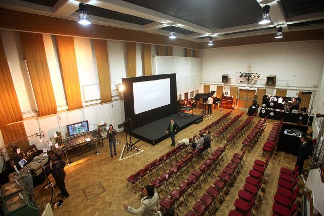 Tutup Sejak Maret, Abbey Road Studios Kini Kembali Beroperasi (179550)