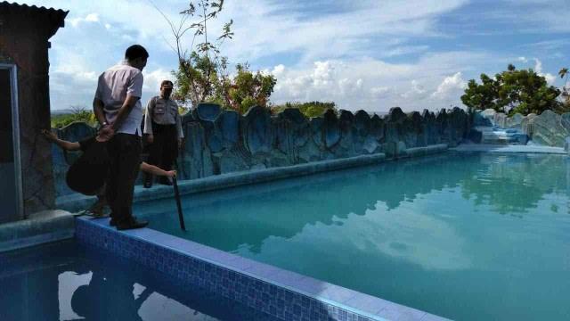 Cerita Pesugihan: Kisah Kolam Renang Desa Penyedot Harta Para Pengunjung (43714)