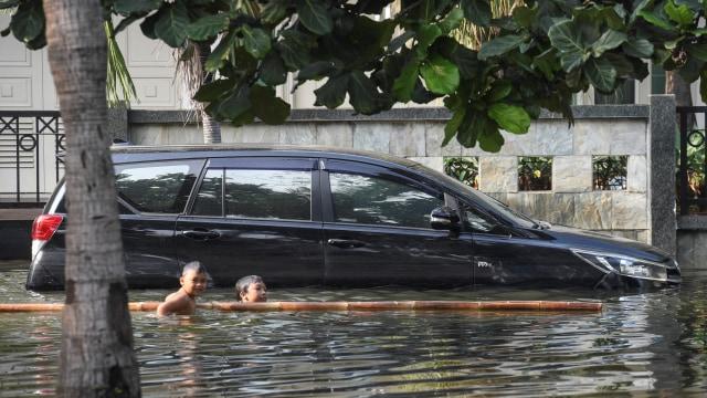 Musim Hujan Tiba, Pemilik Mobil Wajib Tahu Ini Agar Tak Merugi  (91926)